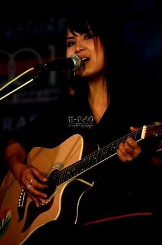 Sushmita Mangsatabam at a concert