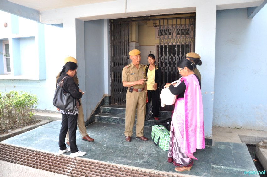 Irom Sharmila, who has been on an indefinite fast demanding repeal of AFSPA, flown to Delhi :: March 03 2013