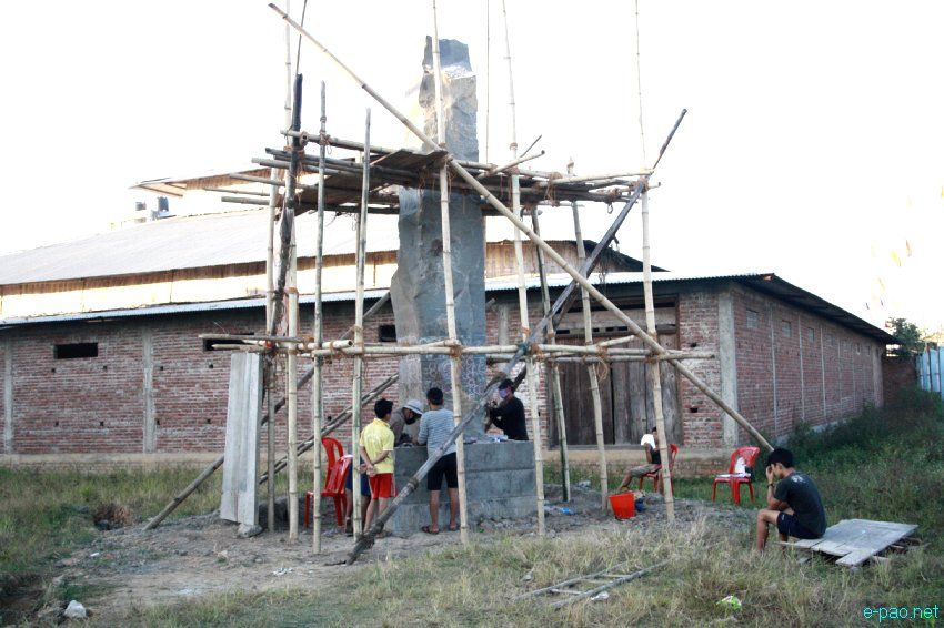 Artists sculpting the 'Cultural Integrity Pillars' at Palace Compound  :: October 2012