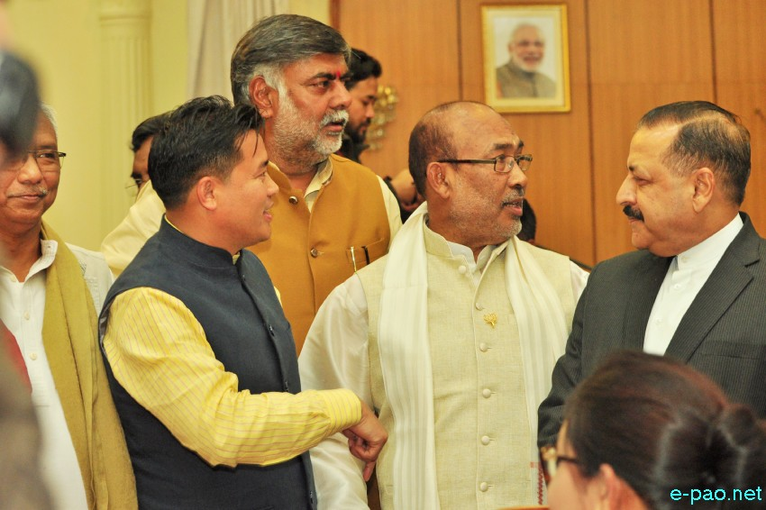 Nongthombam  Biren Singh sworn-in as CM of Manipur at Raj Bhavan :: 15th March 2017